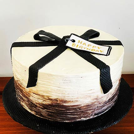 Gift Themed Vanilla Cake 8 inches Eggless