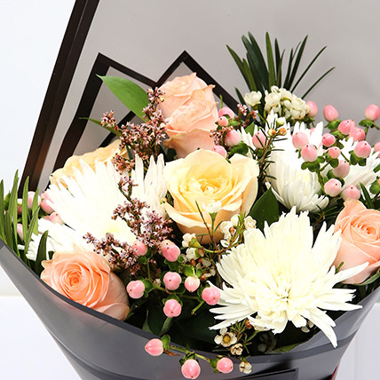 Symphonious Roses and Delistar Mixed Bouquet