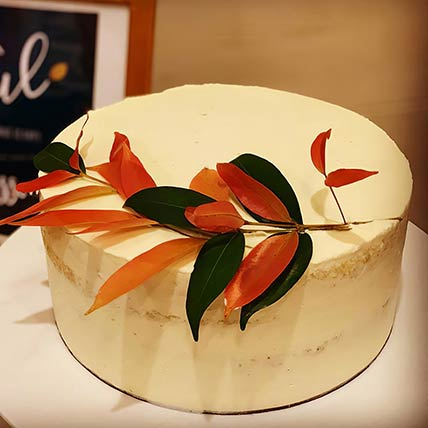 Tropical Leaf Vanilla Cake 8 inches