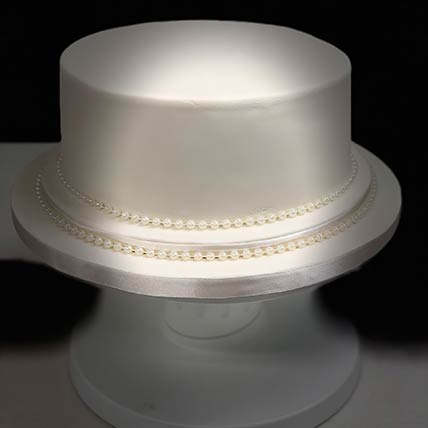 Pearly Elegant Lemon Cake 8 inches Eggless