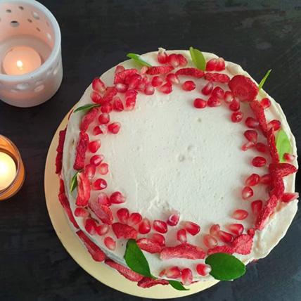 Delicious White Buttercream Vanilla Cake