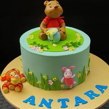 Winnie The Pooh Vanilla Cake