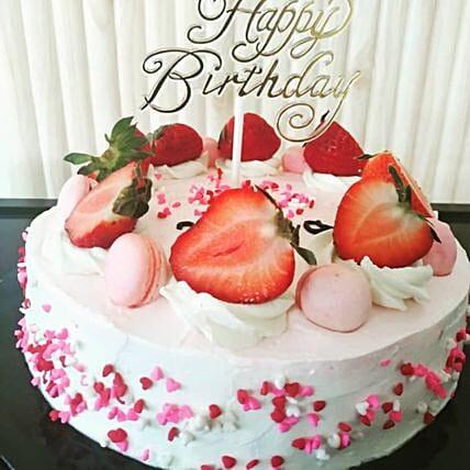 Luscious Strawberry Cake Half Kg