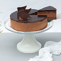 Irresistible Crunchy Chocolate Cake